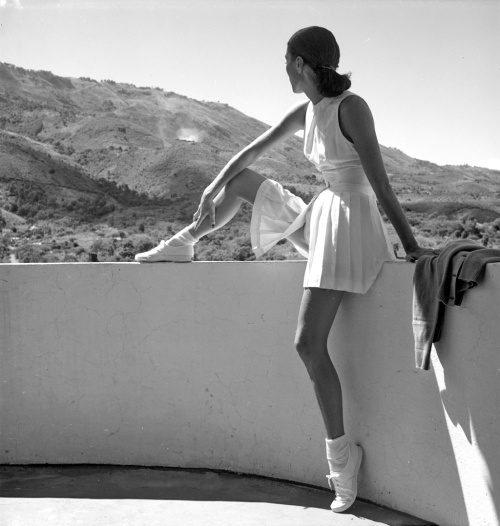 Toni Frissell, Tennis player for Harper's Bazaar, 1947